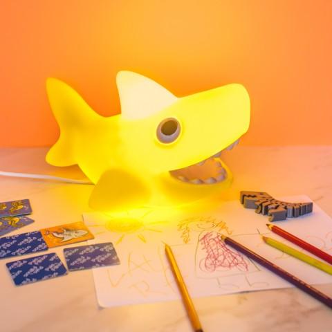 Luminária Tubarãozinho Amarelo